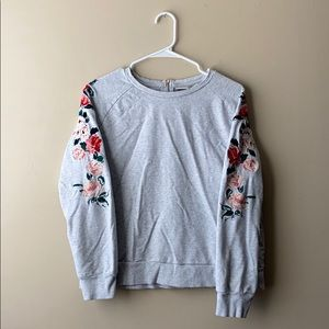 A New Day Gray Sweater with Rose Sleeves XL